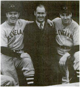 Jeff Heath and Bob Feller with photographer George Brace before Feller's no-hitter in Chicago.