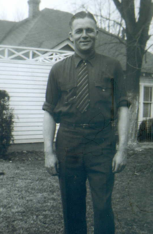 orlin-collier-at-home-in-paragould-about-1943